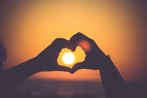 serce słońce unsplash